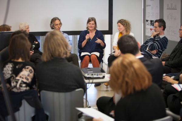 Foto von der Diskussionsrunde am Vormittag