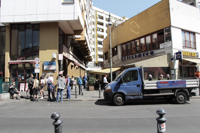 Foto Berlin-Kreuzberg Blick in die Seitengasse